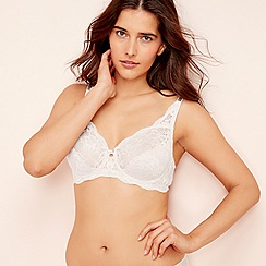 Triumph - White Lace  Amourette Charm  Underwired Non-Padded Bra