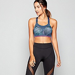 Triumph - Multi 'Triaction Magic Motion' underwired padded sports bra