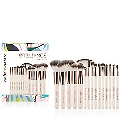 Nude by Nature - 'Brilliance Ultimate' 15 Piece Brush Set