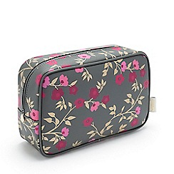 Victoria Green - Blossom Charcoal Beauty Kit Case