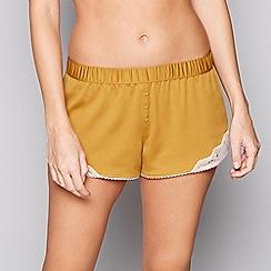 Nine by Savannah Miller - Yellow lace-trimmed satin pyjama shorts