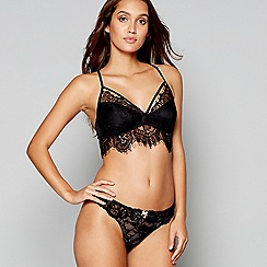 Lipsy - Black lace 'Bronnie' non-wired padded bralette