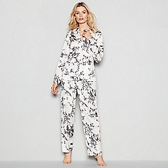 Nine by Savannah Miller - White Bamboo Print Pyjama Set