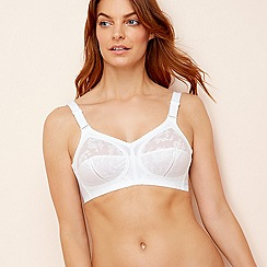 Triumph - White Doreen cup non-wired bra
