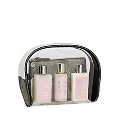 The Beauty Collection - Pamper Bag Set - 300ml