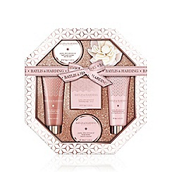 Baylis & Harding - Jojoba, Silk and Almond Oil Hexagonal Tray Set