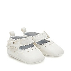 J by Jasper Conran - Baby Girls' White Scalloped Heart Shoes