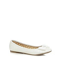 bluezoo - Girl's ivory glittery large bow pumps