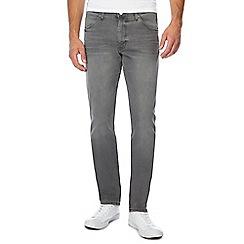 Wrangler - Grey 'Larston' slim tapered jeans