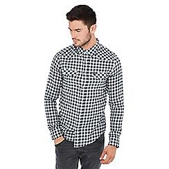 Wrangler - Black and white gingham print long sleeve slim fit western shirt