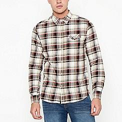 Wrangler - Off white checked long sleeve regular fit shirt