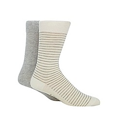 Levi's - Pack of two cream striped and grey ankle socks