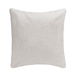 Home Collection - White faux fur cushion