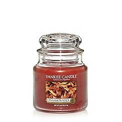 Yankee Candle - 'Cinnamon Stick' medium scented jar candle