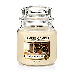 Yankee Candle - Medium 'Winter Wonder' scented jar candle