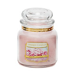 Yankee Candle - Medium Blush Bouquet Scented Candle