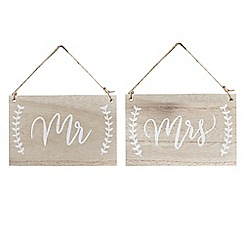 Ginger Ray - Pack of 2 wooden 'Mr and Mrs' hanging chair signs