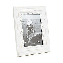 Sass & Belle - White rustic-inspired photo frame
