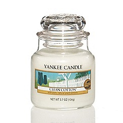 Yankee Candle - Small 'Clean Cotton' scented jar candle