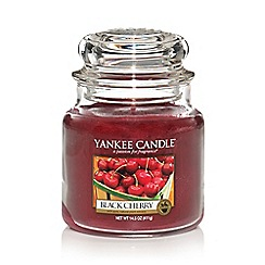 Yankee Candle - Medium 'Black Cherry' scented jar candle