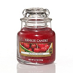 Yankee Candle - Small 'Black Cherry' scented jar candle