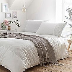 Home Collection - White 'Kai' bedding set