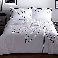 J by Jasper Conran - White 'Westminster' duvet cover