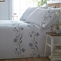 Home Collection - White 'Kate' bedding set