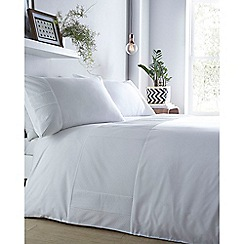 Home Collection - White 'Noah' bedding set