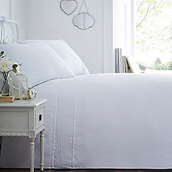 Home Collection - White 'Clare' bedding set