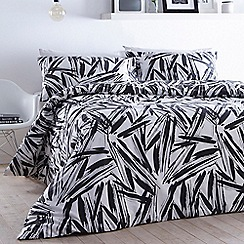 Home Collection - Monochrome 'Max' bedding set