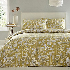 Home Collection - Yellow 'Tortoise and Hare' bedding set