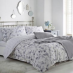 Home Collection - White 'Rosemary' bedding set
