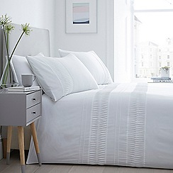 Home Collection - White 'Hayley' Bedding Set