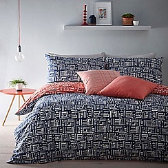 Home Collection - Blue and Red reversible 'Soldermalm' bedding set