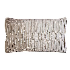 Kylie Minogue at home - Atmosphere cushion