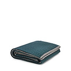 Home Collection - Green quilted throw