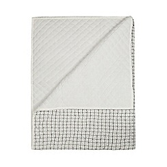 Ben de Lisi Home - Black and white quilted throw