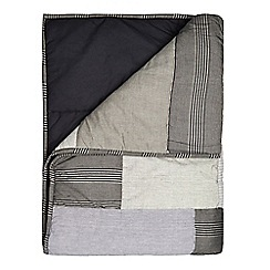 Home Collection - Grey patchwork throw