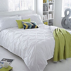 Ben de Lisi Home - White ruched 'Brooklyn' bedding set