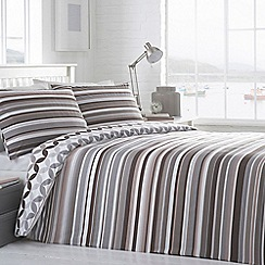 Home Collection Basics - Taupe striped 'Jackson' bedding set