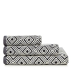 J by Jasper Conran - Dark grey geometric print towel