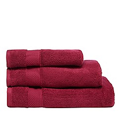 Christy - Dark pink bath towel