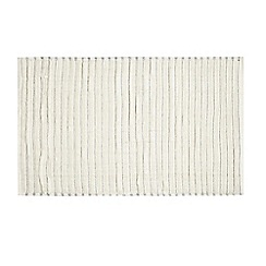 Home Collection Basics - White striped bath mat