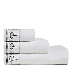 Home Collection - White marl 'Hastings Boats' embroidered towel
