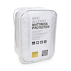 Home Collection White Single Mattress Protector