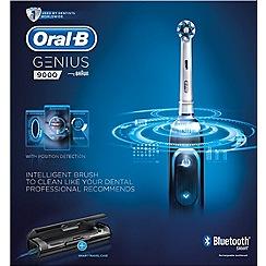 Oral-B Oral-B Genius 9000 black electric toothbrush
