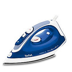 Tefal - Blue 'Maestro' steam iron FV3770