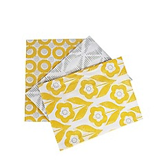 Home Collection Basics - Set of three yellow printed tea towels
