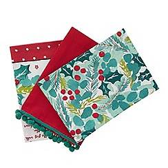 Home Collection - 3 pack green and red Christmas themed print tea towels